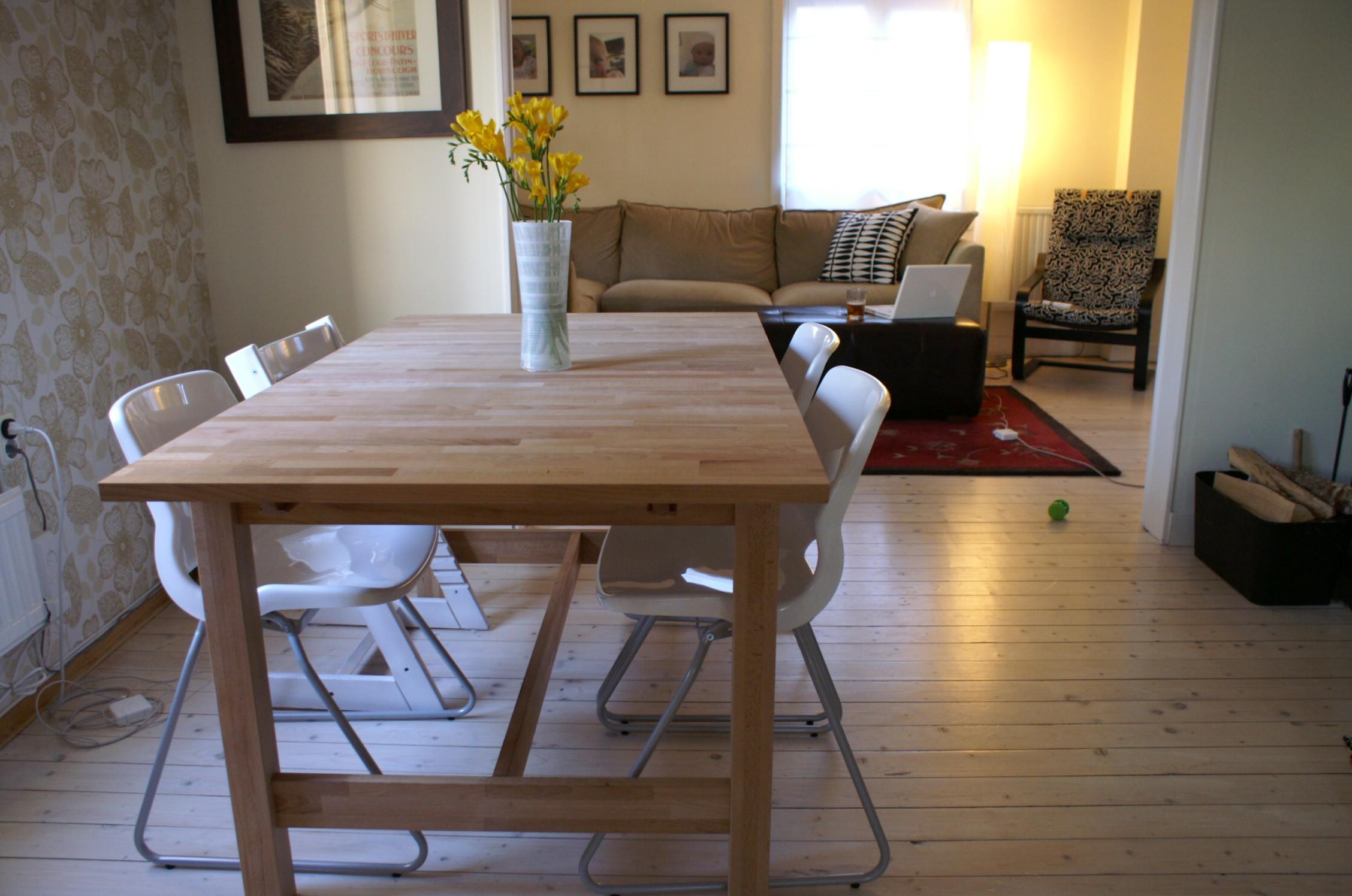 simple-design-ideer-of-ikea-spisestue-sæt-med-brun-træ-bord-og-hvid-gloss-acryl-stole-med-metal-ben-som-godt-som-spisning-stole-and desk-stole-ikea