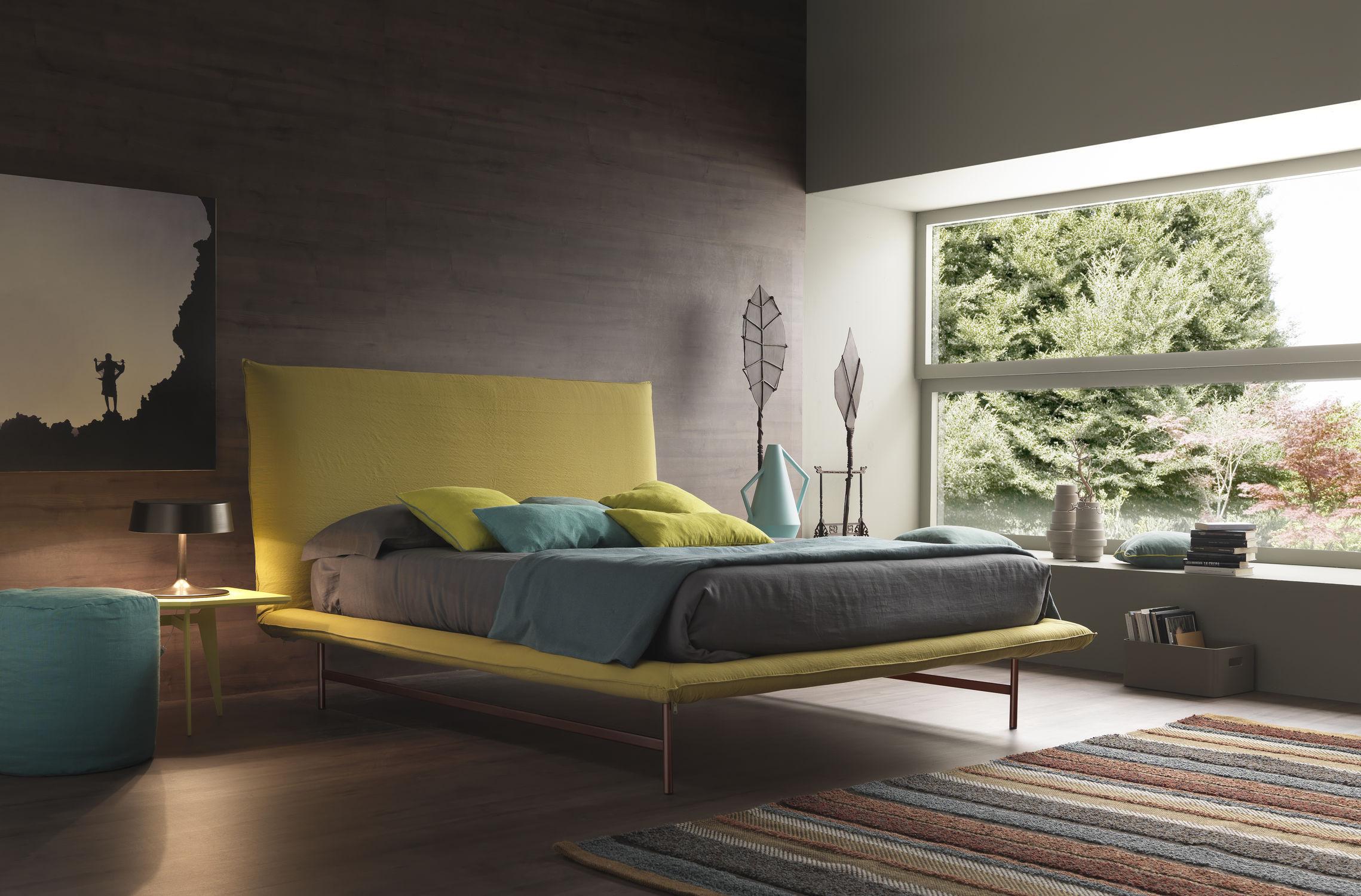 enkel-moderne-værelses-med-en-view-messen-lys-bolzan