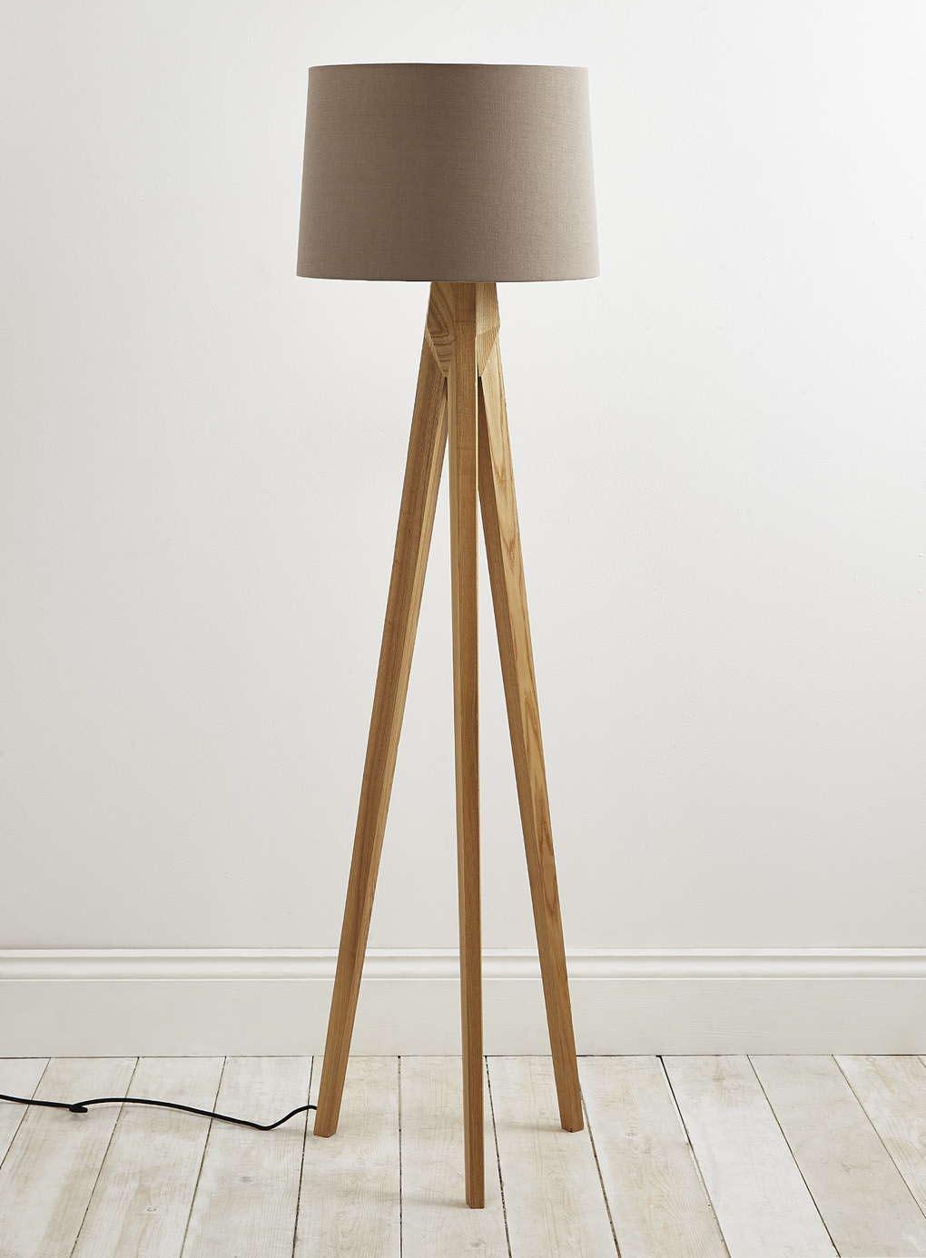 stativ-gulv-lampe-træ-ben