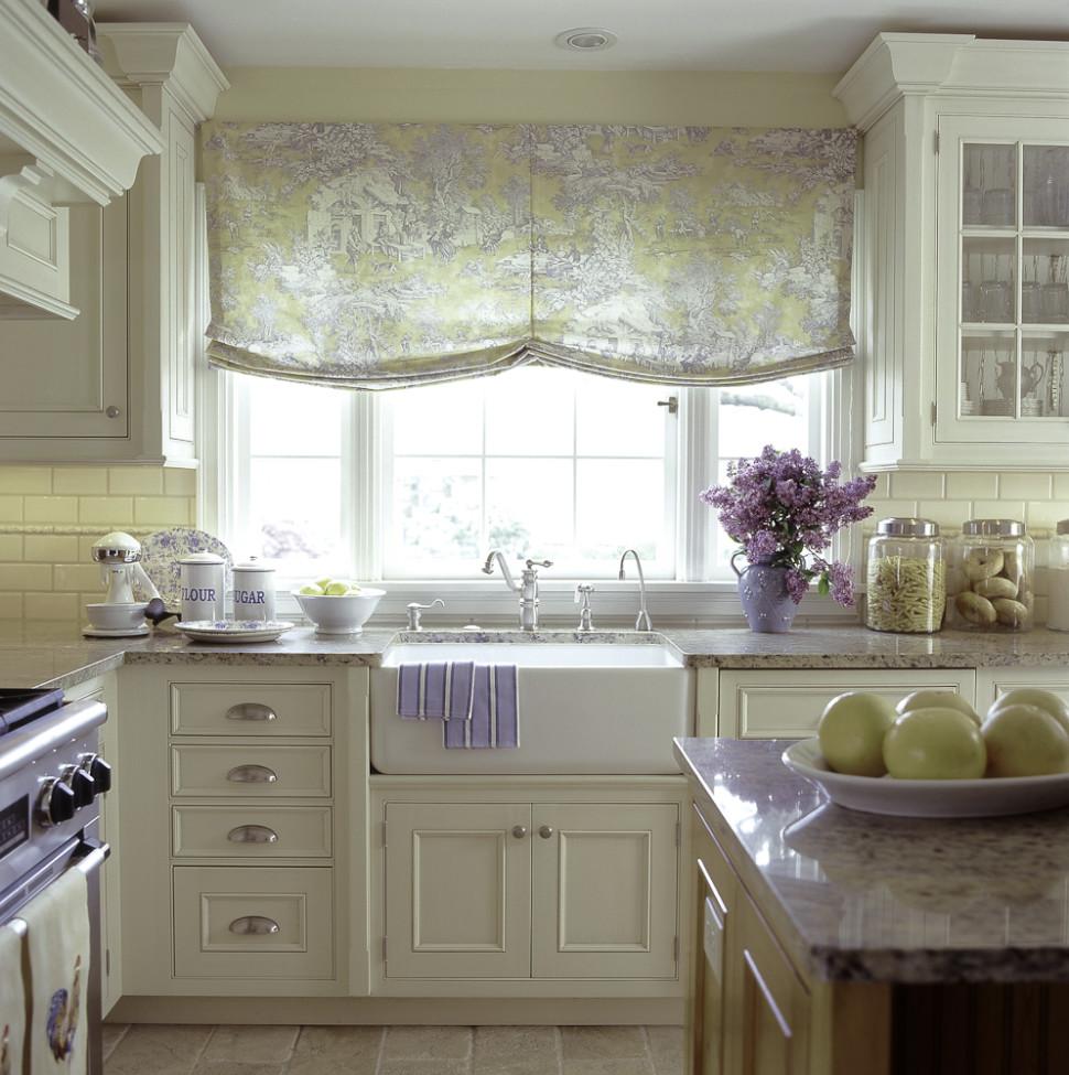hvide-blomster-rustik-gardiner-køkken-design-ideer