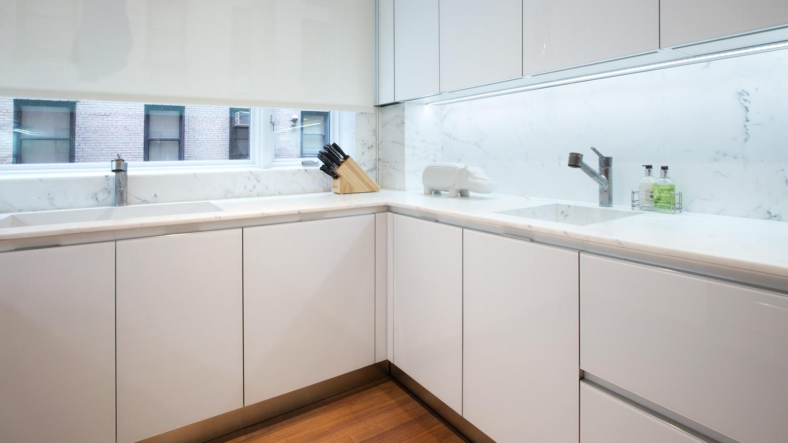 hvid-glas-køkken-5