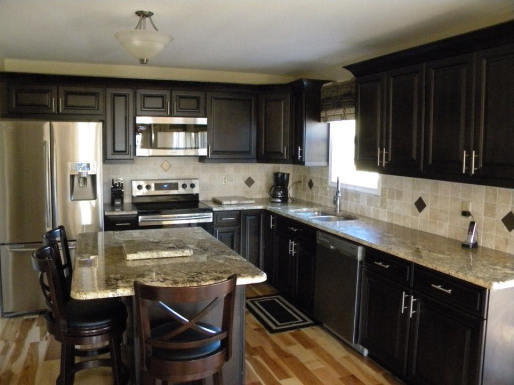 comptoirs de cuisine en céramique à motif de carreaux blancs