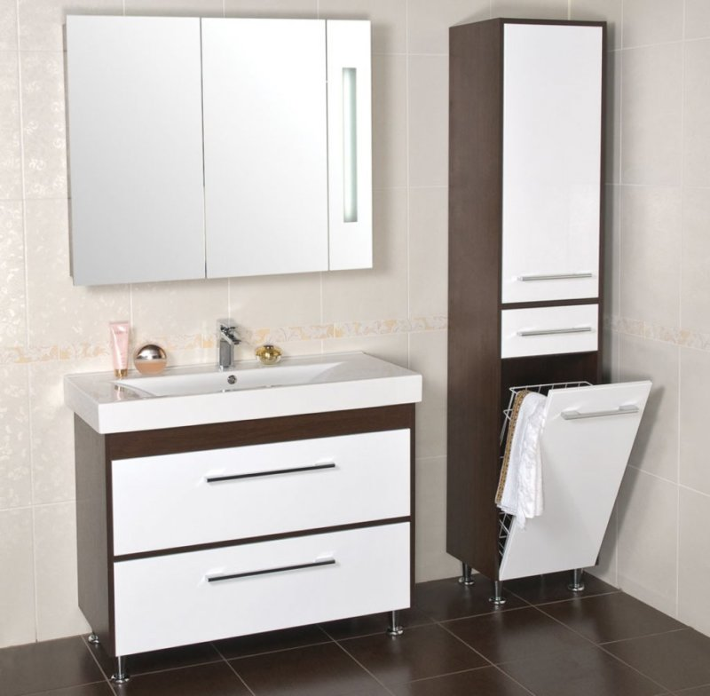 møbler i et lille badeværelse